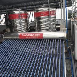 Lắp đặt hệ thống nước nóng năng lượng mặt trời trung tâm 2000 lít Daphovina chất lượng bảo hành lâu dài
