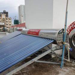 Lắp đặt hệ thống nước nóng năng lượng mặt trời trung tâm 1000 lít Daphovina chất lượng bảo hành lâu dài